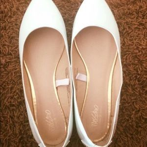 Mossimo mint colored flats